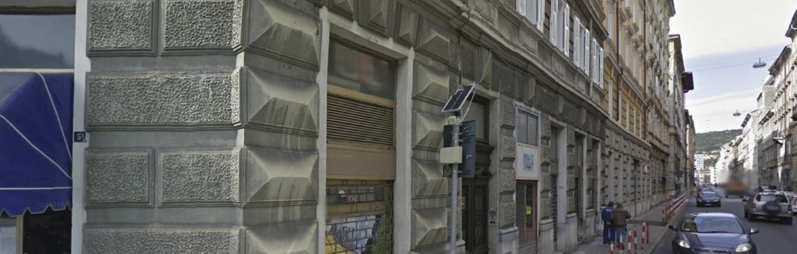 Via Udine, locale commerciale trasformabile in garage